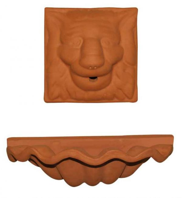 fuente de pared en terracota
